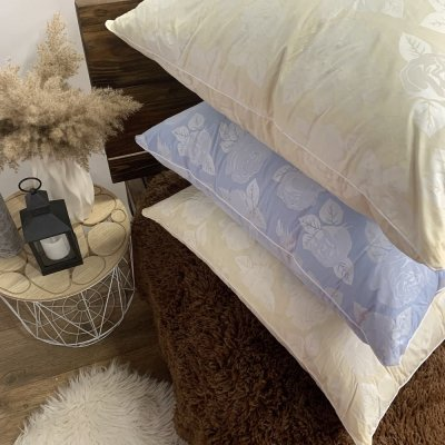 Подушка Тик (10% пух, 90% перо) с кантом