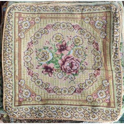Изысканная наволочка на подушку (40х40 см) - Розы