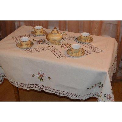 Скатерть льняная с вышивкой и кружевом, 150x220 см