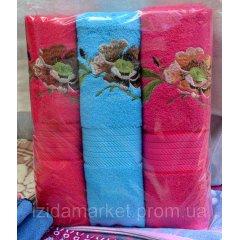 Махровое полотенце для лица - с вышитыми цветами